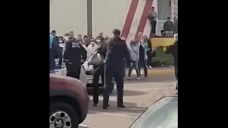Барановский Н из Жодино ударом кулака в лицо повалил женщину на асфальт