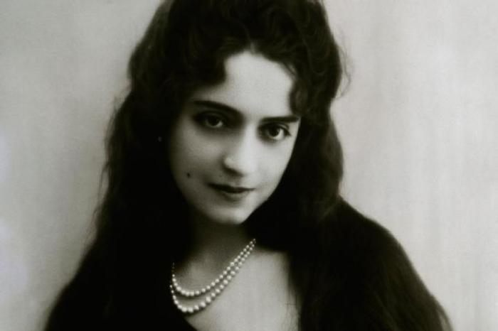 От куртизанки до египетской принцессы и преступницы: Сильная женщина Маргерит Алиберт, изображение №6