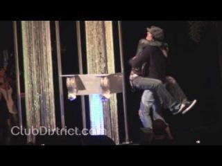 deadmau5 admits he's Canadian & humps Tommy Lee's Leg