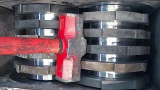Hard Steel vs Crusher, Shredding Scrap metal