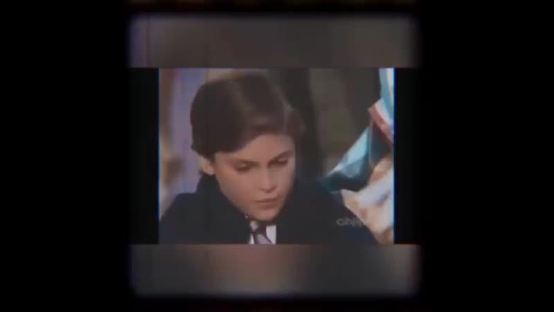 отрывок с Хоакином из сериала Альфред Хичкок представляет серия очень счастливый конец 1986