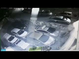 Странный поступок водителя такси во Владивостоке попал на видео