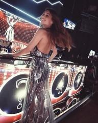 "Pampita on Instagram: ""Viernes en @showmatch 🔥💫 - 📽 @juanchiroisman @jacktheartist 💄 @estefania_novillo @estudionovillo 💇🏽♀️ @zacariasguedes @estu..."