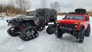 НИВА на шипах против JEEPa на гусеницах. Битва по снегу и льду! RC OFFroad 4x4