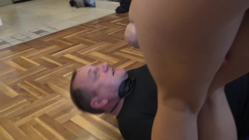 PrincessNikki Smelly farts and piss for the slave