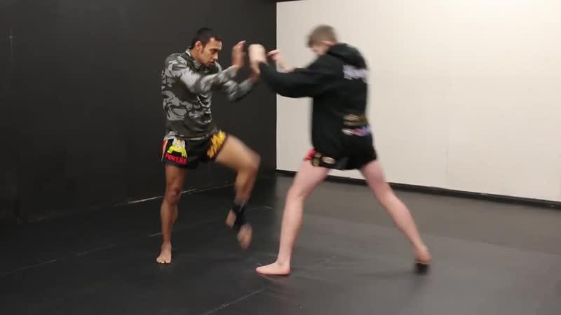 Учебное пособие по борьбе с агрессивным бойцом