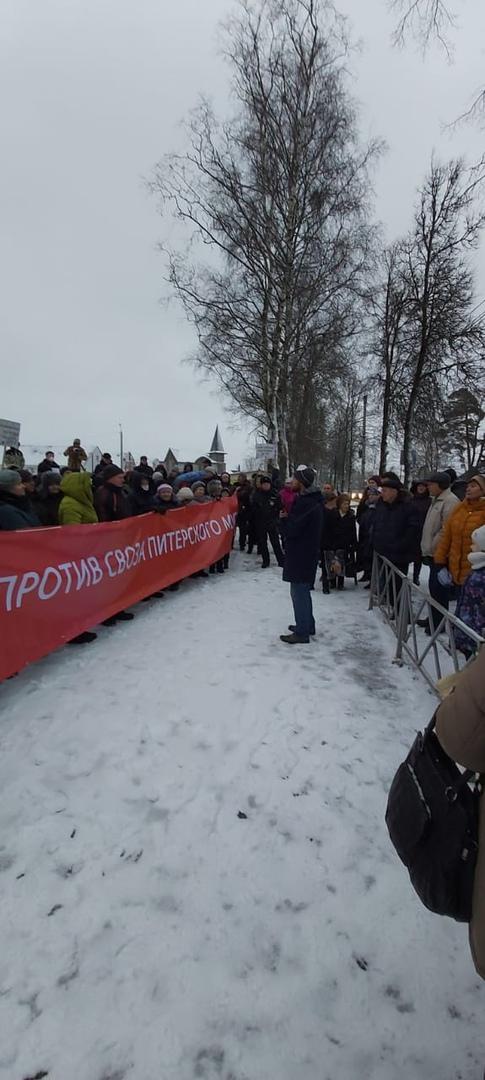 Жители Ленобласти пытаются защитить местный полигон от масштабирования и грузовиков с отходами из Санкт-Петербурга