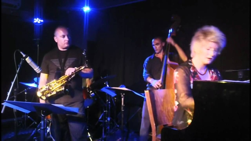 Dena DeRose Quartet Featuring Robert Anchipolovsky Live At The Shablul Jazz Club