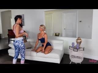 Брюнетка трахает блондинку, lesbian sex lgbt porn milf mature mom lick pussy tit orgasm HD cum (Инцест со зрелыми мамочками 18+)