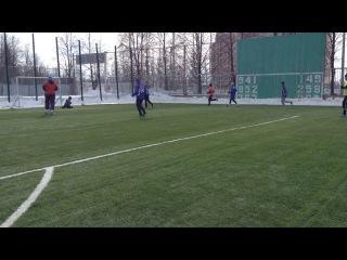 Лысенко ошибается но отрабатывает в защите и отдает эпичный пас Чубову от головы нападающего соперника