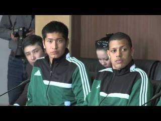 Измухамбетов с футболистами