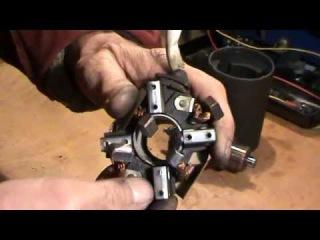 Щётки стартера и как их поставить на место , если они выскочили из своих держателей.