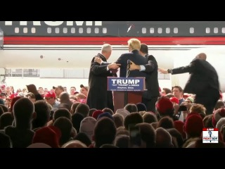 Donald Trump Has Close Call in Dayton, Secret Service Steps in to Protect
