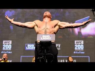 Brock Lesnar vs. Mark Hunt | Weigh-In | UFC 200