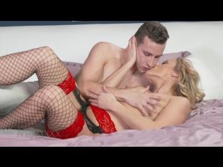 Парню повезло, сегодня он трахает очень красивую ухоженную зрелую женщину средних лет (порно с мамками, milf mature mom mother)