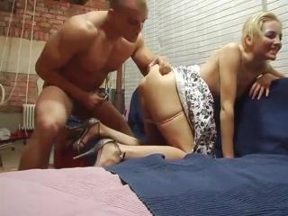 Качок вместо  протеина трахал русскую мамку, чтобы не стать импотентом в 23 (порно анал минет мамки зрелые porno anal milf sex