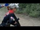 13-летняя девочка демонстрирует навыки стрельбы