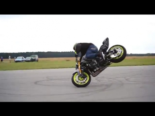 Мотоцикл Ямаха R6 _ Трюки на мотоциклах _ Стантрайдинг