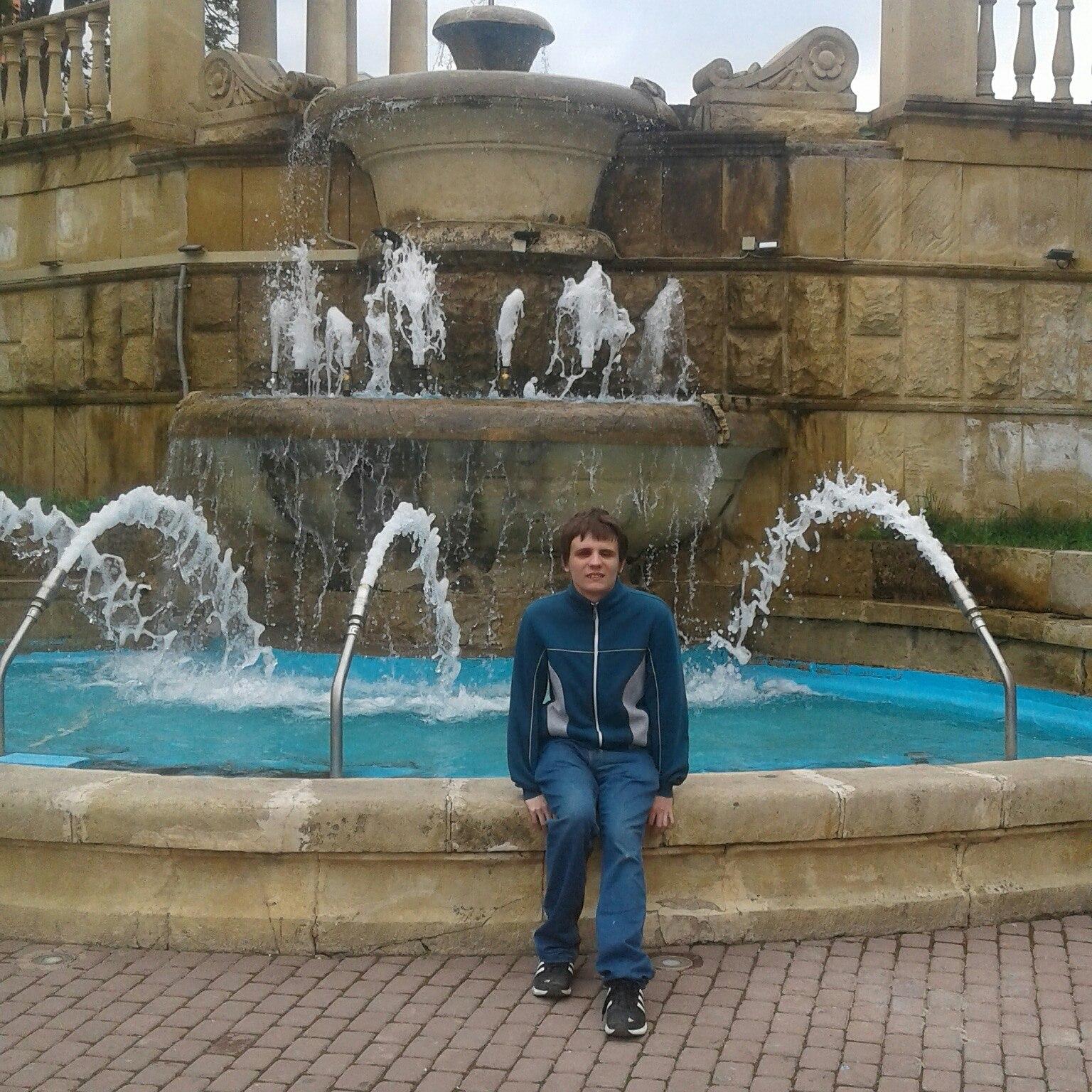 Alexey, 23, Khadyzhensk