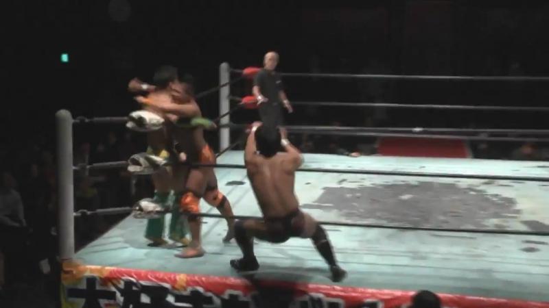 Kazuki Hashimoto Kota Sekifuda Tatsuhiko Yoshino vs Hercules Senga Shinobu Tsutomu Oosugi BJW 08 11 2017