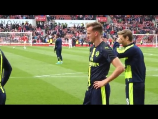 Rob holding's reaction to a fan shouting that he's better than man city's £55m defender john stones.