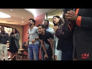 Amazing flash mob for Hritik Roshan & Yami Gautam   Kaabil