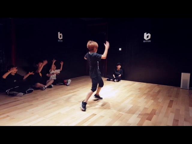 """BOY STORY SHOWTIME 今天为大家带来我们 爱疯睿""""的舞蹈室练习视频,他已经起飞了,辛"""