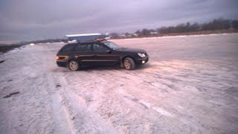 Rumbulas ledus- Brīvais brauciens-auto izsklaide