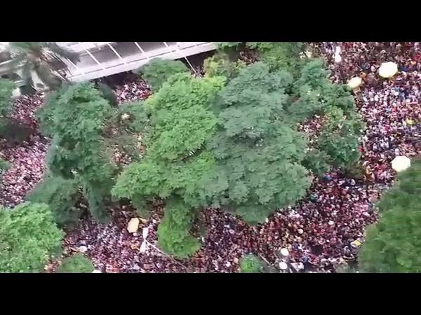 Mais de 200 mil pessoas mandam um recado para o governante de plantão