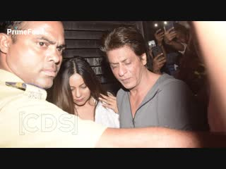 Shahrukh khan handles drunk wife gauri khan at zoya akhtar birthday party