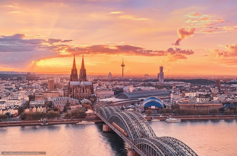 Занимает третье место в списке самых высоких церквей мира.., изображение №5