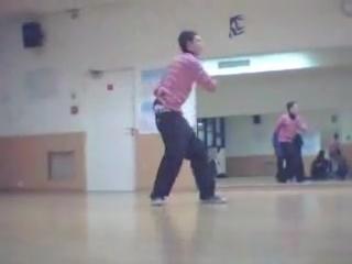 Класный танец!!!Тиктоник с элементами хип-хопа=)