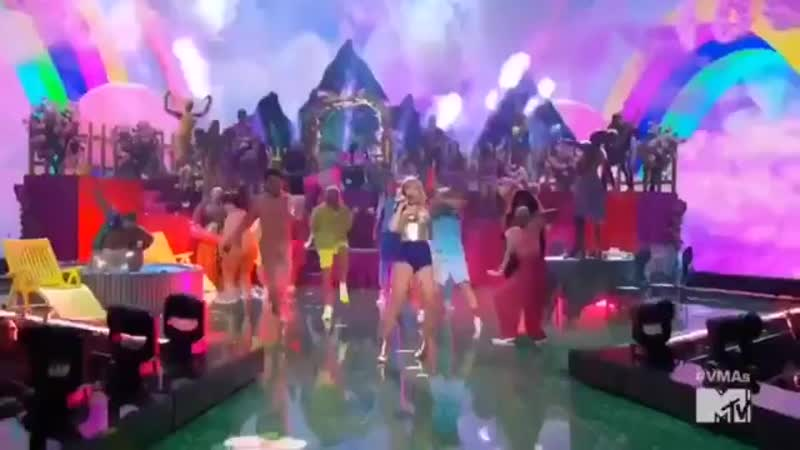 Taylor performing You Need To Calm Down at the VMAs tonight! @tayswiftSG