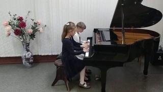 Трио: Фот Милана (10 лет), Волкова Дарья (10 лет), Некрасова Екатерина (10 лет)