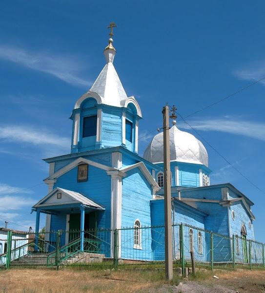Храм Архангела Михаила в селе Ореховка (Самарская область) — первый приход будущего митрополита.
