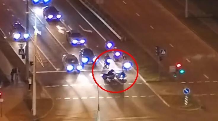 Мотоциклисты не поделили полосу на Варшавке и столкнулись