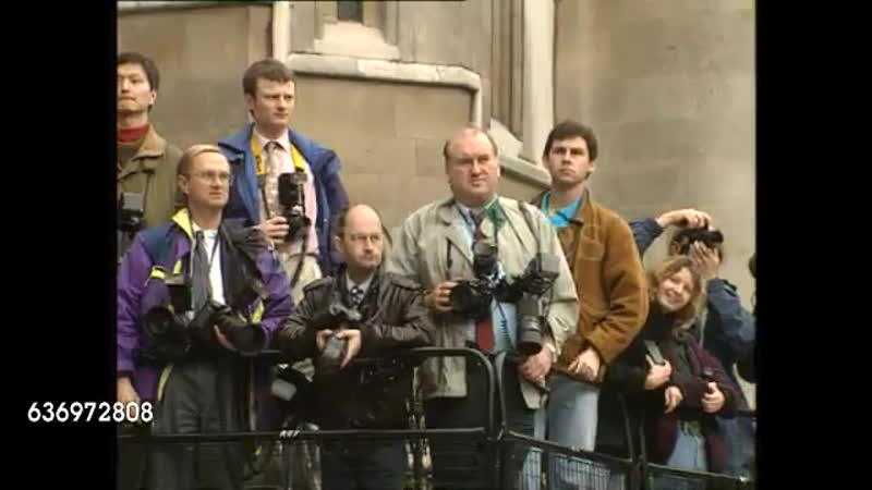 George Michael arriving at the Royal Courts of Justice during case against Sony Music Entertainment on October 28,1993 in London
