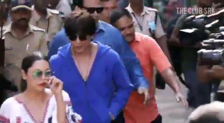 "●◆THE CLUB SRK ◆● on Instagram: ""Video : Like every sensible and responsible Indian, Shah Rukh Khan (@iamsrk) and Gauri Khan (@gaurikhan) cast thei..."