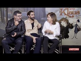 KLAUS | Intervista ai doppiatori: Marco Mengoni, Carla Signoris e Francesco Pannofino | HOT CORN