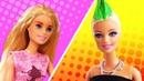 Video e giochi per bambini. Clown lavora nel salone di bellezza. Le bambole Barbie