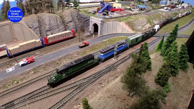 Awesome N scale model railroad of the Columbia River Gorge, see the trains in action on this layout.