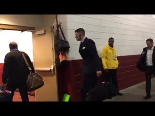 Tom brady arrives at fedex field on the first bus.