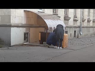 Жители дома №11 на проспекте КИМа не могут выгнать китайских студентов