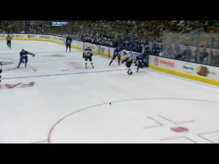 Торонто в матче чемпионата НХЛ с Сент-Луисом (2:3)