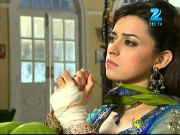 Rab Se Sona Ishq Nov. 30 Episode Song - Sahiba's Plight
