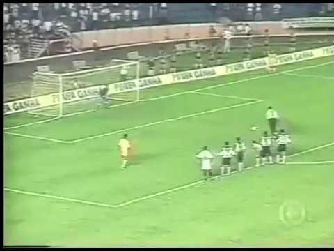 Rogério Ceni (São Paulo) - 25/04/1999 - Inter de Limeira 1x2 São Paulo - 2 gols