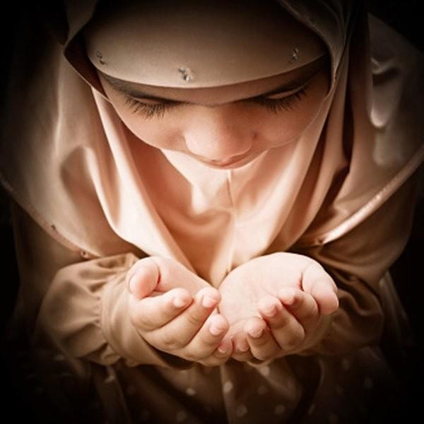 Мусульманка в молитве картинки