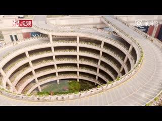 Парковка на крыше здания в Ханчжоу