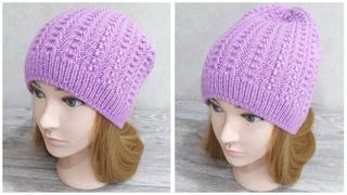 """Женская шапка-бини спицами узором """"Колокольчики""""."""