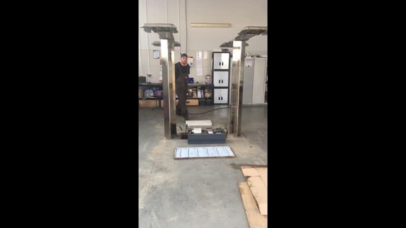 Дилерский центр Audi   Обработка плунжерного подъёмника от коррозии